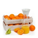 Fruitkist sinaasappel met citrus carafe